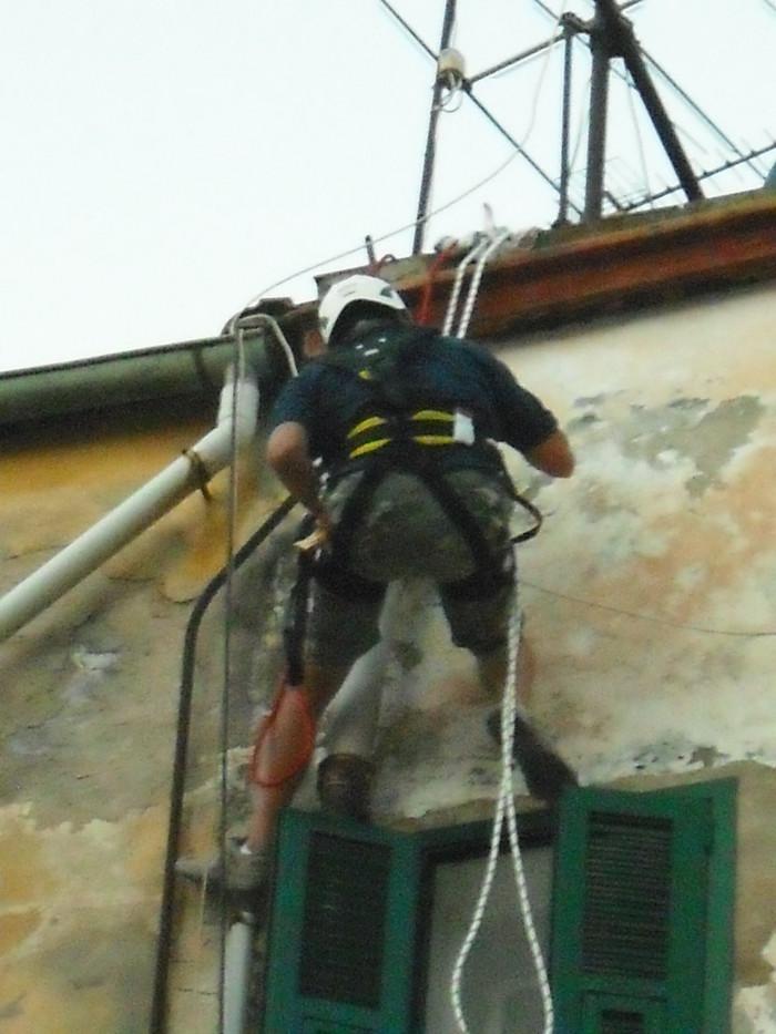 riparazione condotta di scarico fognario centro storico